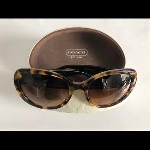 COACH HC8049(L043 Alexia) 545/13 Sunglasses